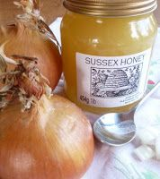 Codul Rosu: TRATAMENTE CU CEAPA - Afectiuni ale aparatului res... Chutney, Up Hairstyles, Beauty Care, Bon Appetit, Good To Know, Body Care, Natural Remedies, Onion, Healthy Lifestyle