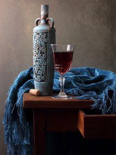 photo: ~ С голубой бутылкой ~ | photographer: Елена Татульян | WWW.PHOTODOM.COM