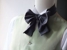 Grey Pindot Floppy Bow Tie - mens - self tie - just for men - I am a maker of  mens bowties by bagzetoile on Etsy