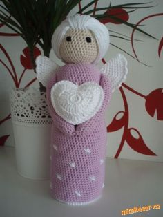PANENKA – ANDĚLKA, i pro začátečnice :-)<br><br>Milé maminky, inspiraci z netu jsem zahlédla zde na ... Crochet Angels, Xmas, Christmas Ornaments, Christmas Knitting, Amigurumi Doll, Puppets, Diy Home Decor, Homemade, Dolls