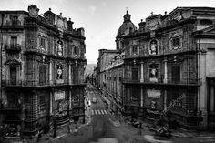 Download - Vintage Quattro Canti in Palermo, Sicily — Stock Image