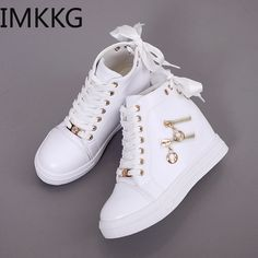 Sneakers Mode, Girls Sneakers, Sneakers Fashion, Fashion Shoes, Shoes Sneakers, Cute Shoes Heels, Pretty Shoes, Casual Shoes, Shoe Boots