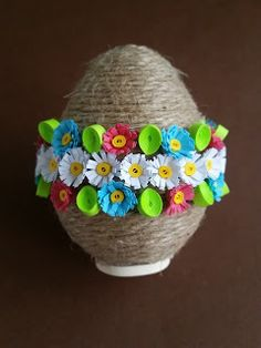 Quilling, Diy And Crafts, Easter, Geography, Bedspreads, Quilling Art, Quilting, Paper Quilling