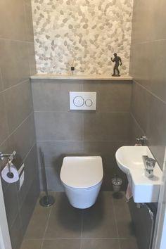 Toilet Room Decor, Small Toilet Room, Small Space Bathroom, Bathroom Design Small, Bathroom Interior Design, Minimalist Toilets, Small Toilet Design, Wc Design, Simple Bathroom Designs