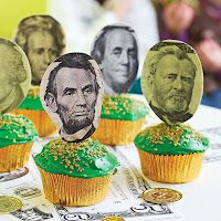 Money cupcakes for President's Day!