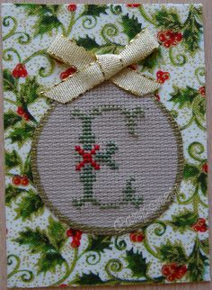 lettre E Tree Skirts, Cross Stitch, Christmas Tree, Holiday Decor, Crochet, Scrappy Quilts, Small Cross Stitch, Dots, Teal Christmas Tree