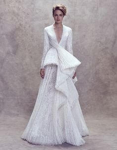 The Artistic Side of Haute Couture Fashion: Ashi Studio Couture FW 2018 Paris. More FW 17 Couture. Couture Mode, Couture Fashion, Couture Collection, Bridal Collection, Bridal Gowns, Wedding Gowns, Ashi Studio, High Fashion Dresses, Bridal Style