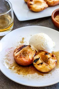 Grilled peaches recipe with brown sugar bourbon sauce? Nothing says Southern American summer than a Georgia grilled peaches recipe with Kentucky bourbon. Grilled Desserts, Grilled Fruit, Grilled Peaches, Easy Desserts, Delicious Desserts, Dessert Recipes, Quick Dessert, Summer Desserts, Party Recipes