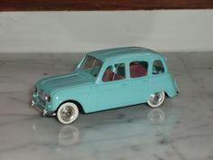 Norev Renault 4L 1/43ième bleue N°53 pneus blancs