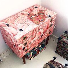 @susiebubble: Flamingo lovin'  drawers Ez Lili legnagyobb kedvence, e köré kellene tervezni a szobát