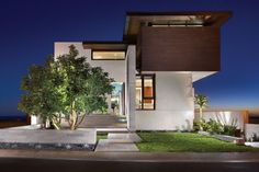 The 'Strand Residence' located in Dana Point, California, USA - Designed by Horst Architects