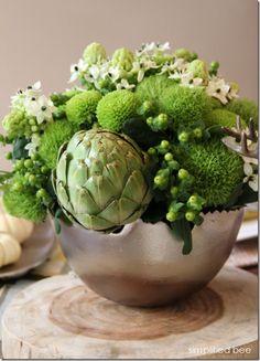 green-thanksgiving-floral-arrangement-simplified-bee