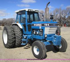 Ford TW-5 II tractor