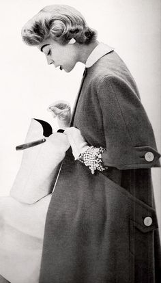 Jean Patchett 1950's  the coat.  the bag.  the gloves.  the pearls.  the curls.
