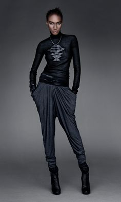www.urbanzen.com SKINFLEX CASHMERE TURTLENECK SWEATER BLACK - DRAPED JERSEY PANTS (CHARCOAL - WIDE SUEDE BELT BLACK - TRIBAL COCOON NECKLACE