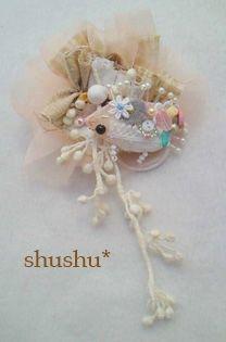 ハリネズミのシュシュの作り方|その他|ファッション小物 | アトリエ|手芸レシピ16,000件!みんなで作る手芸やハンドメイド作品、雑貨の作り方ポータル