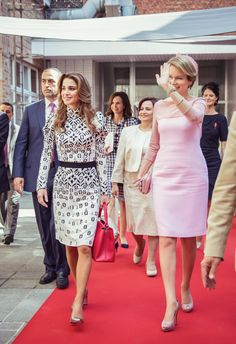 ♔♛Queen Rania of Jordan♔♛... 19 May 2016 - Queen Rania and Queen Mathilde at the Technical Institute of the Holy Family in Bruges, Belgium - dress by Louis Vuitto ; shoes by Dior; bag by Louis Vuitton