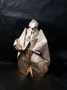 """Designed and folded by me from one uncut square paper. """"Noh"""" is one of the Japanese traditional performing arts. Origami Artist, Japanese Mythology, Origami Models, Japanese Culture, Performing Arts, Drama, Design, People, Art"""