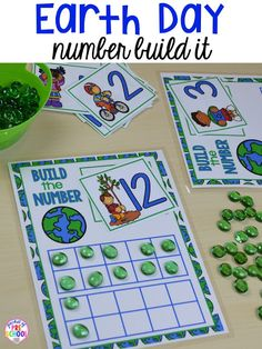 Earth Day build a number counting game. Plus FREE Earth Day vocabulary posters! Perfect for preschool, pre-k, or kindergarten. Earth Day Preschool Activities, April Preschool, Kindergarten Math Activities, Preschool Themes, Space Activities For Preschoolers, Recycling Activities For Kids, Kindergarten Projects, Preschool Curriculum, Kindergarten Classroom