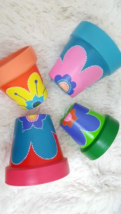 Painted Flower Pots, Painted Pots, Cute Crafts, Diy And Crafts, Hand Painted Pottery, Terracotta Pots, Falcons, Garden Crafts, Clay Pots