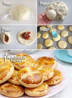 Milföy Tadında Kıymalı Poğaça Tarifi Greek Cooking, Fun Cooking, Cooking Time, Pie Crust Designs, Ramadan Recipes, Ramadan Food, Sandwiches, Bread Bun, Pizza