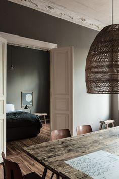 Berlin apartment in earthy tones
