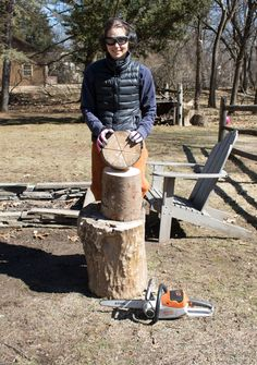 Use a chainsaw to cut your own Swedish fire log (a. a Swedish Torch) and revel in the ease of starting a one-log campfire using fallen branches and trees from your own backyard. Swedish Fire Log, Awesome Stuff, Building, Crafts, Diy, Do It Yourself, Manualidades, Bricolage, Buildings