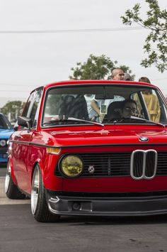 Driving a perfectly restored bmw 2002 is like living in a dream with regard to bmw 2002 classic luxury vintage cars - Awesome Indoor & Outdoor Suv Bmw, Bmw Cars, Bmw 2002, Audi, Porsche, Bmw Vintage, Auto Retro, Bmw Classic Cars, Mercedes Benz