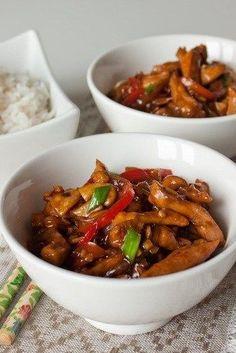 Стир фрай из курицы с грибами и сладким перцем