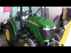 John Deere 3520 snowblowing - YouTube