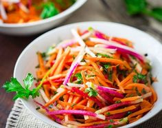Ginger Carrot Radish Salad with parsley and maple. A bright and fresh break from green salad for early spring. Watermelon Radish, Radish Salad, Carrot Salad, Healthy Salads, Healthy Eating, Healthy Recipes, Free Recipes, Bbq Salads, Radish Recipes