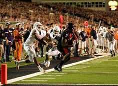 Michael Crabtree making the catch with one second left on the clock to beat Texas.                 A-MA-ZING!!!