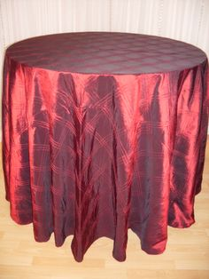 Crimson Triple Pintuck #linen #texture #chairdecor #linenfactory #event #finelinen #tabledecor