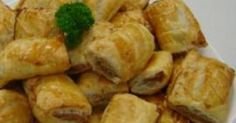 Recipe Cyndi O'Meara's Vegetarian Sausage Rolls by Thermomix in Australia - Recipe of category Baking - savoury One of the commenters swapped the walnuts for a mix of cashews & macadamias, still very meat like apparently! Vegetarian Recipes, Snack Recipes, Cooking Recipes, Savoury Recipes, Dinner Recipes, Vegetable Recipes, Paleo Recipes, Yummy Recipes, Yummy Food