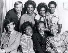 """I Jefferson (The Jeffersons) è una sit-com di carattere comico, prodotta negli USA dal 1975 al 1985, nata come spin-off della serie tv """"Arcibaldo"""" (All in the Family). La serie """"I Jefferson"""" si è conclusa dopo 11 stagioni e 253 episodi. In Italia è stata trasmessa su Canale 5 nel corso degli anni '80, in seguito le repliche sono state trasmesse su Rete 4."""