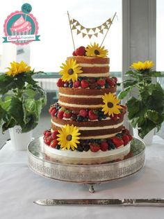 Naked cake with Sunflowers