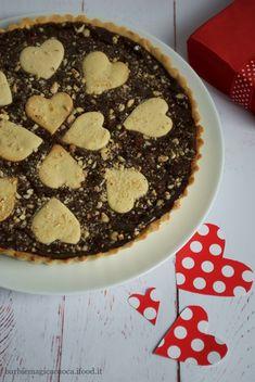 Crostata al bacio con crema morbida alle nocciole per San Valentino