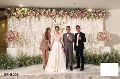 New wedding ceremony backdrop stage altars ideas Wedding Ceremony Ideas, Wedding Reception Backdrop, Wedding Decorations On A Budget, Engagement Decorations, Wedding Altars, Wedding Backdrops, Indian Wedding Receptions, Wedding Mandap, Decor Wedding