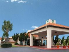 Marianna (FL) Quality Inn Marianna United States, North America Quality Inn Marianna is perfectly located for both business and leisure guests in Marianna (FL). Both business travelers and tourists can enjoy the hotel's facilities and services. All the necessary facilities, including free Wi-Fi in all rooms, facilities for disabled guests, Wi-Fi in public areas, car park, pets allowed, are at hand. Guestrooms are fitted with all the amenities you need for a good night's sleep....