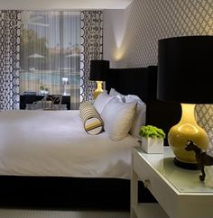 bedroom-yellow-black