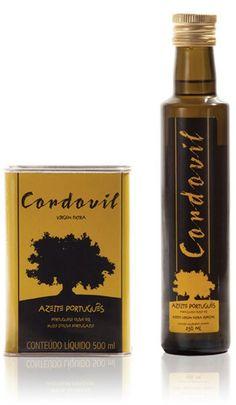 """O Azeite Cordovil representa com solenidade o que de melhor o azeite tem. O azeite esteve sempre presente na vida diária dos portugueses, desde a candeia do pobre ao candelabro do rico, é o fruto da cultura da oliveira, uma arte e cultura milenar com tradição em Portugal. O Azeite Cordovil carrega no nome, toda uma engenho e costumes de um povo, que sempre o reverenciou o azeite e a oliveira Cordovil. O Azeite Cordovil é puro """"sumo de azeitona"""". AOVE #aceites #oliveoil…"""