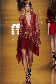 Dress Score: 3.4 || Reem Acra