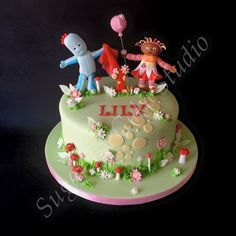 In the night garden cake with iggle piggle and upsy daisy Garden Birthday Cake, 3rd Birthday Cakes, 2nd Birthday Parties, Birthday Ideas, Baby First Cake, Lily Cake, Daisy Cakes, Twins Cake, Garden Cakes