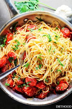 Garlic Parmesan Spaghetti with Blistered Tomatoes -  Tossed in roasted garlic oil, blistered tomatoes and a handful of parmesan cheese, these easy, 20-minute Garlic Parmesan Spaghetti are your best bet!