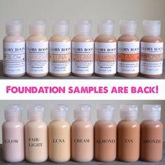 Natural liquid foundation sample size,makeup, with aloe, jojoba and carrot oil.