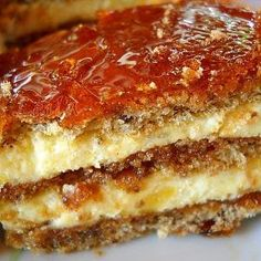 You searched for vienetta - Retete Culinare - Bucataresele Vesele Romanian Desserts, Romanian Food, Sweets Recipes, Just Desserts, Cake Recipes, Easy Cooking, Cooking Recipes, Mother Recipe, Sweet Tarts