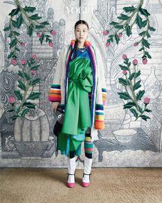 "koreanmodel: "" Han Hye Jin, Kim Won Kyung by Hong Jang Hyun for Vogue Korea Oct 2016 "" Style Oriental, Oriental Fashion, Ethnic Fashion, Asian Fashion, Korean Fashion Minimal, Korean Fashion Trends, Korea Fashion, Md Fashion, Han Hye Jin"