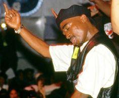 Tupac Shakur, 2pac, Tupac Pictures, Cute Pictures, Fashion Tv, Black Girl Fashion, Leo Season Memes, Tupac Art, Tupac Makaveli