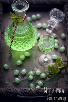 Miętówka – nalewka z cukierków miętowych Irish Cream, Liquor, Table Decorations, Drinks, Drinking, Alcohol, Beverages, Drink, Liqueurs