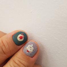 뀨~귀엽당🐱🎅 #크리스마스네일 . 네일드모네 디자인입니다✋ Xmas Nail Art, Holiday Nail Art, Xmas Nails, Christmas Nail Designs, Christmas Nails, Nails To Go, Hair And Nails, Acrylic Nails Yellow, Korean Nails